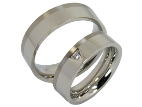 Tiziano - a pair of rings (stainless steel & titanium)