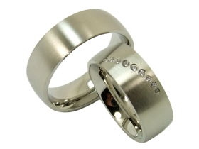 Enrique - a pair of rings (stainless steel)
