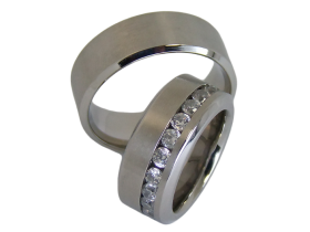 Pauletta - a pair of rings (stainless steel)